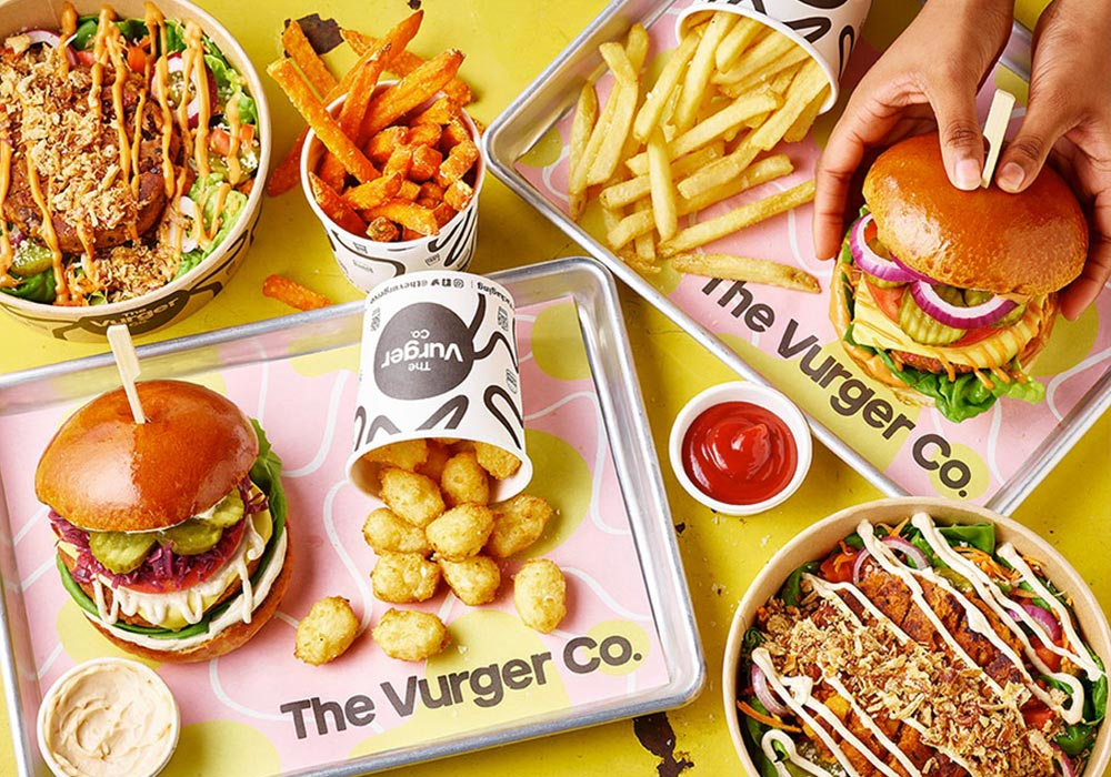 burger-and-chips-on-tray_1.jpg